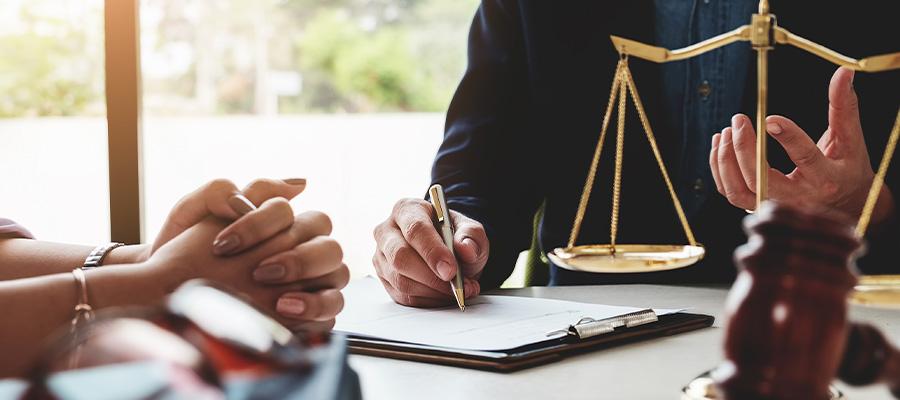 advogado presente