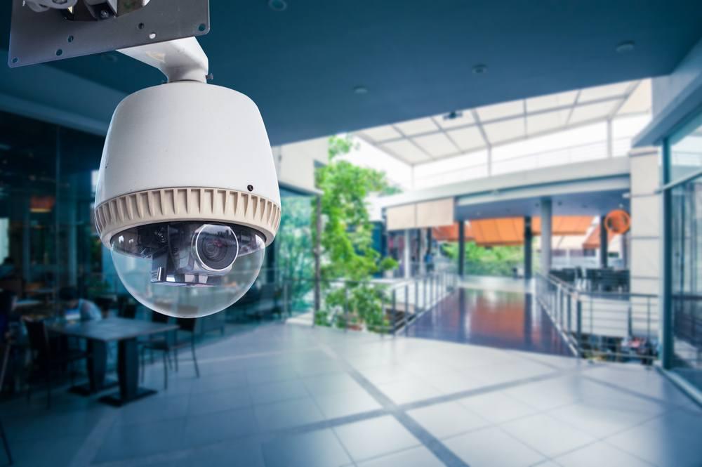 O que checar na hora de adquirir CFTV, cercas elétricas, sensores de presença, controles de acesso, centrais de alarme, etc.