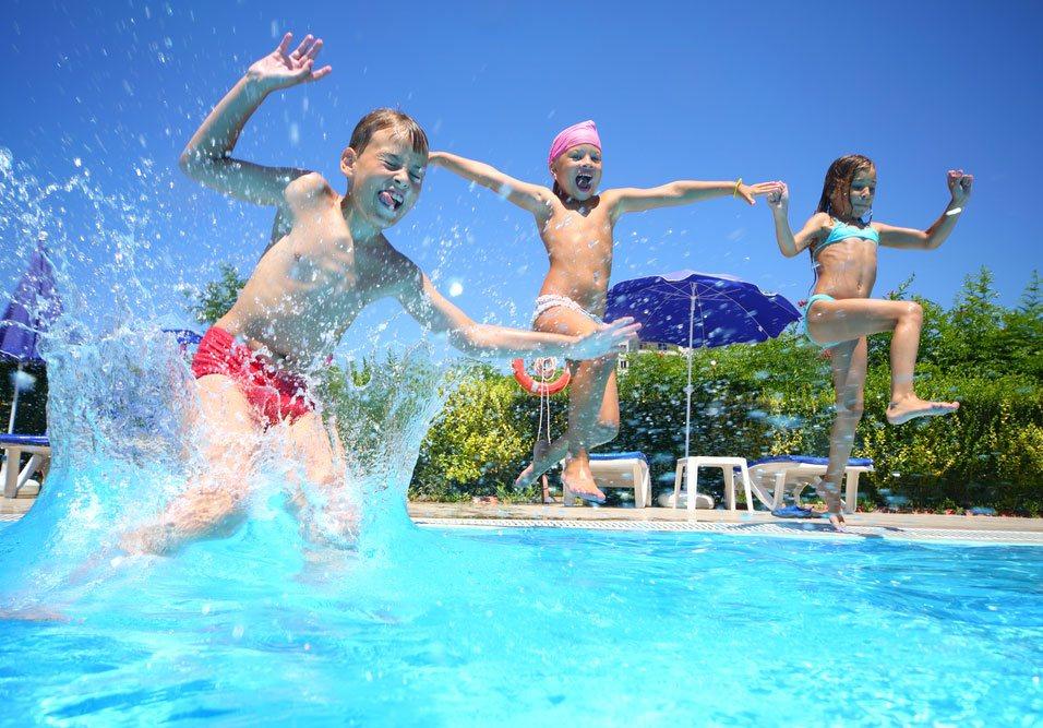 Tabela com frequência para realizar o tratamento de piscinas