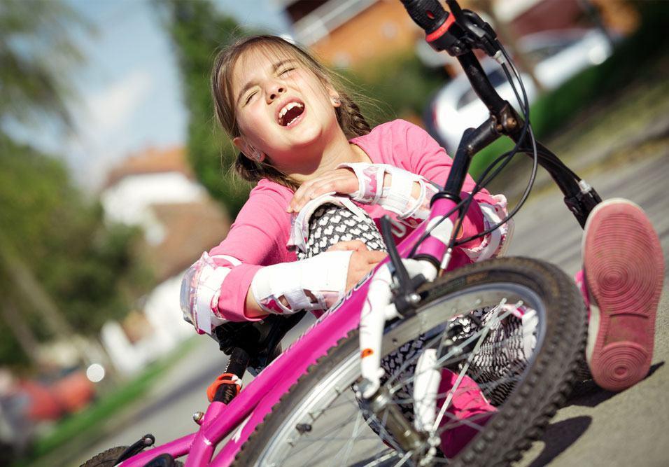 Casos em condomínios são comuns e síndico deve saber como evitar riscos para os pequenos