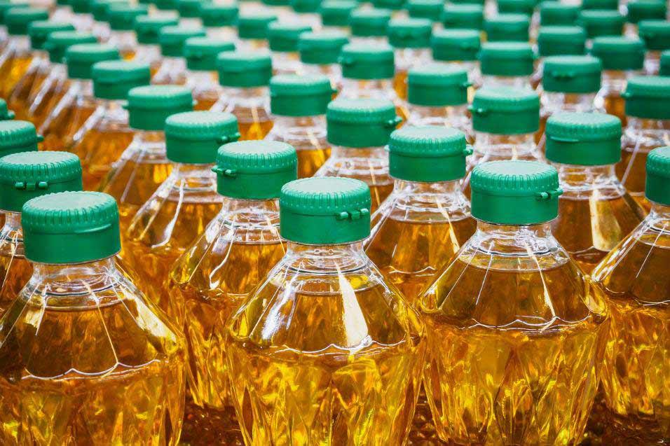Separar o óleo de cozinha é bom para o condomínio e essencial para o meio ambiente