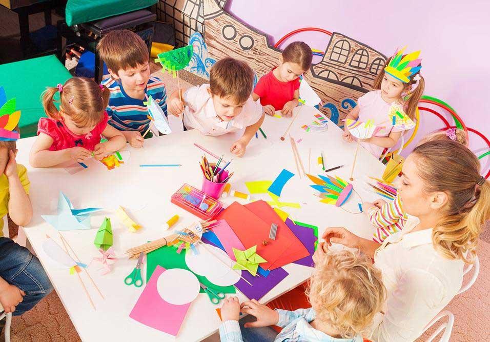 Profissionais educadores criam projeto para crianças dentro de condomínios