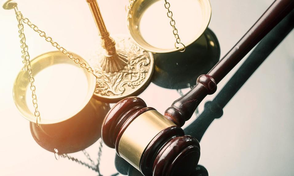 Decisões jurídicas em condomínios