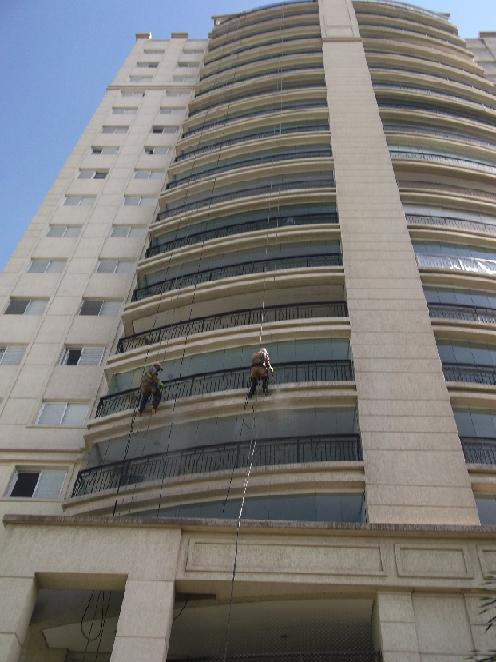 Foto - Lavagem de Fachada - Edifício Residêncial