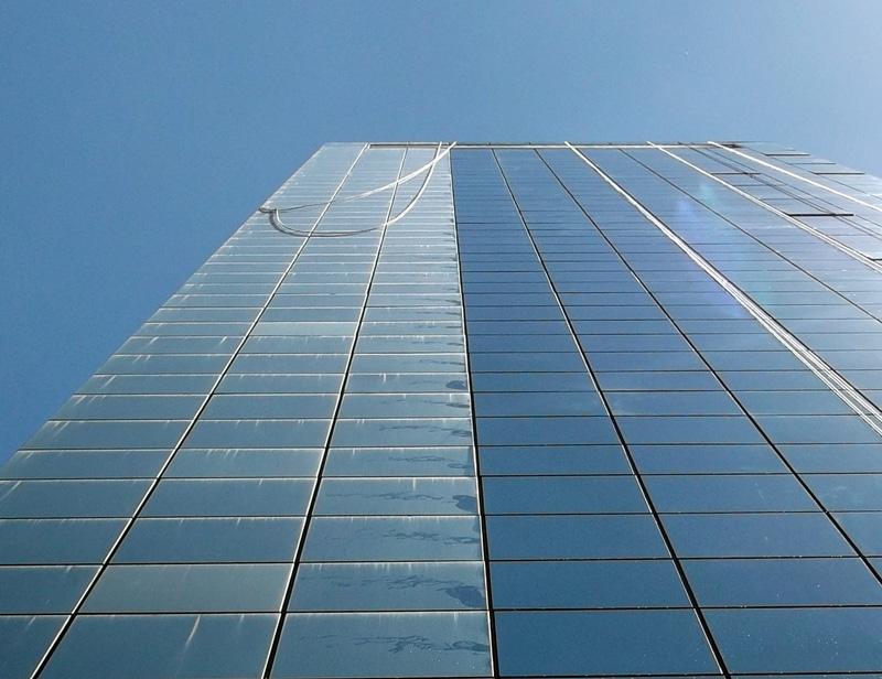 Foto - Lavagem de Fachada - Edifício Comercial
