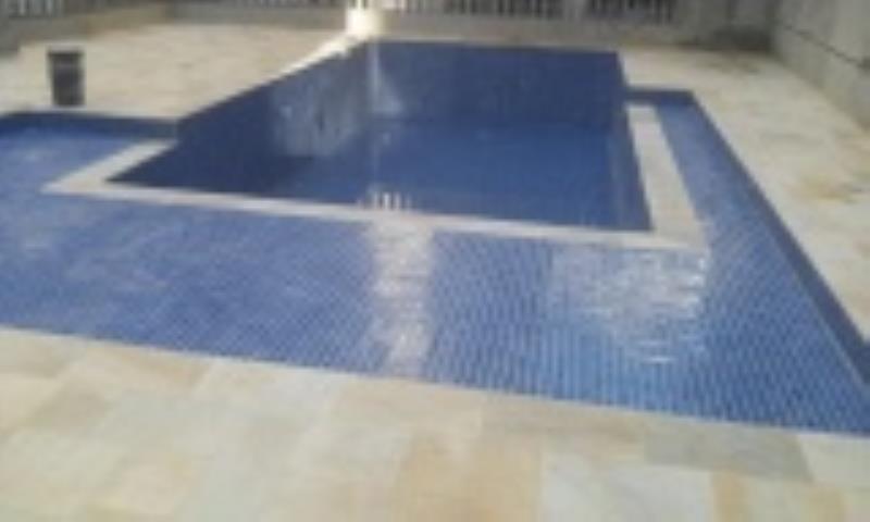Foto - Foto de como ficou a piscina que impermeabilizamos e revestimos, foto abaixo.