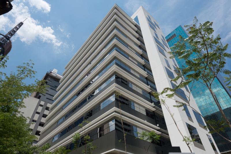 Foto - Habitacional - Comercial, 1 torre, 56 conjuntos