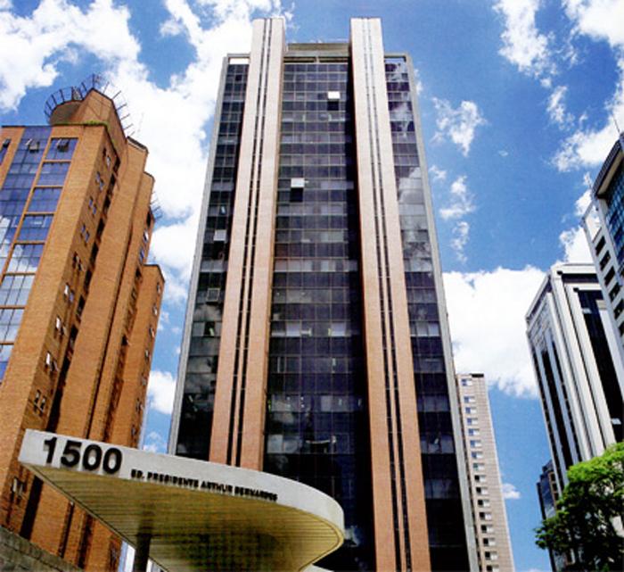 Foto - Habitacional - Comercial, 1 torre, 72 conjuntos