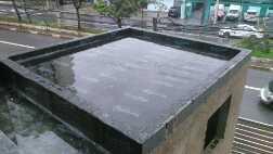 Foto - Teste de lamina d água de 72 horas antes do acabamento final comprovando o sucesso dos serviços