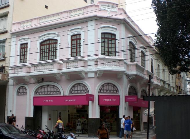 Foto - Pink Bijú - Santos - Recuperação e Pintura da fachada histórica.