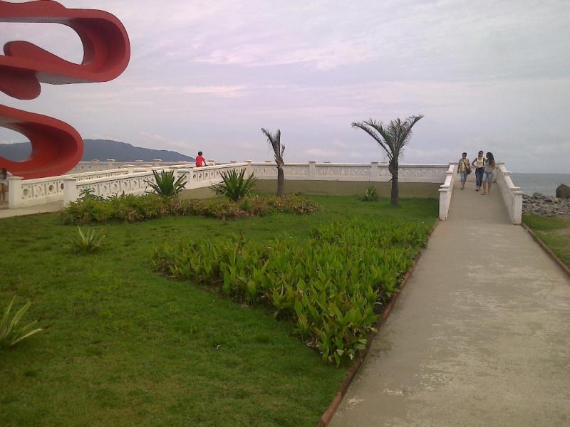 Foto - Pref. Municipal de Santos - Execução do Deck de Observação do Emissário Submarino.