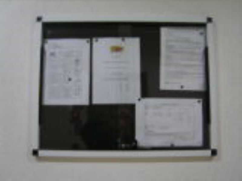 Foto - Quadro de avisos em alumínio - Med: 80 x 60 cm.