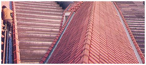 Foto - Manutenção de telhado.