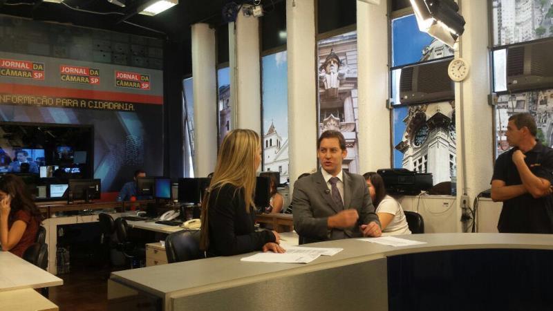 Foto - Participação do Dr. Rodrigo Karpat na TV Câmara