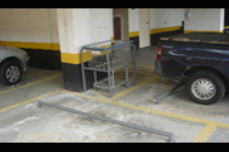 Foto - Fabricamos baias para carrinhos de compras