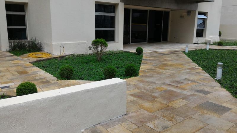Foto - Condomínio Edifício Montmatre- Projeto, Impermeabilização e acabamentos do térreo