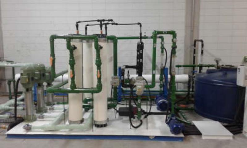 Foto - Sistema para tratamento de águas por membranas de ultrafiltração e osmose reversa