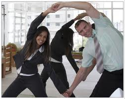 Foto - Melhore o rendimento dos seus colaboradores, proporcionando a eles uma qualidade de vida com a Ginástica Laboral.
