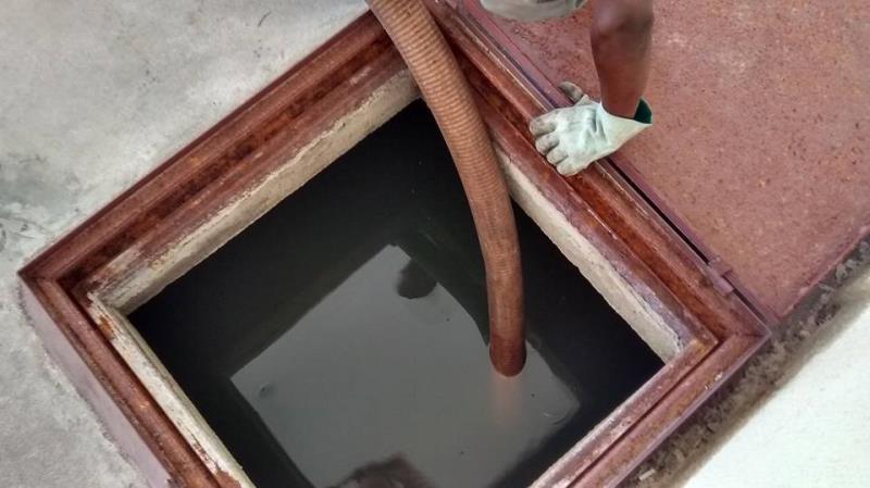 Foto - Limpeza de fossa séptica