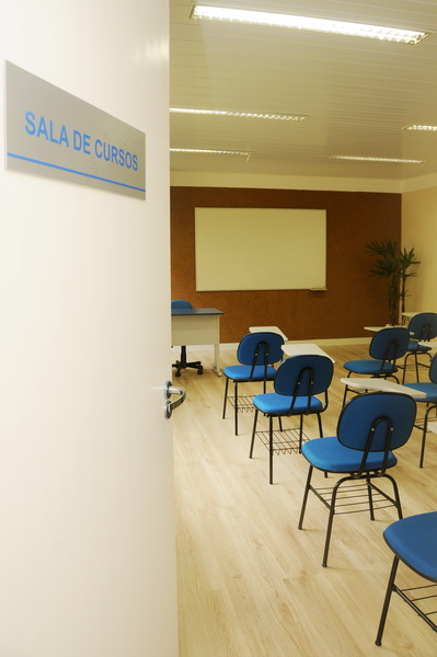 Foto - espaço para palestras, cursos e reuniões