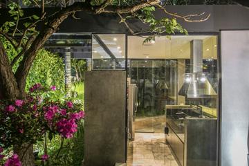 Foto - Utilizando Alvenaria, Estrutura Metálica e fechamentos em placas cimentícias, foi instalado o novo espaço gourmet do condomínio