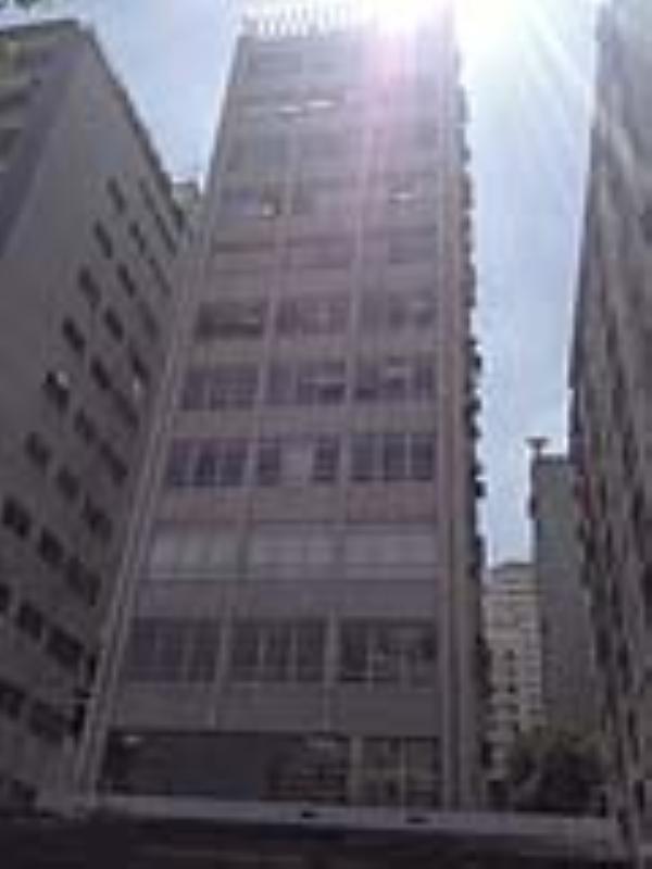 Foto - Foto da Fachada Atual solicitado troca completa de caixilhos e acabamentos das fachadas frontal e lateral