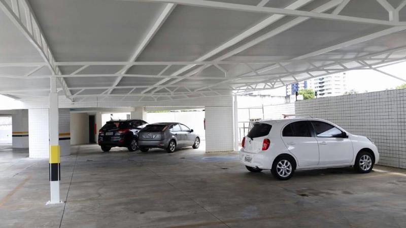 Foto - Cobertas para automóveis Fabricamos, fornecemos e instalamos coberturas para automóveis