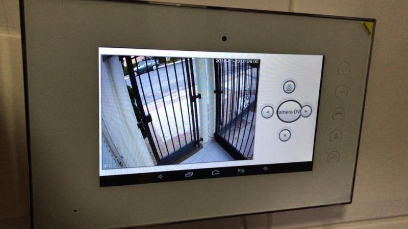 Foto - Monitor Interno VoIP Monitora ate oito câmeras Função de alarme residencial
