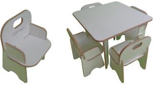 Foto - Mesas e cadeiras para play ground. Possibilidade de personalização com nome do condominio. Consulte projetos personalizados de mobiliário em cnc.