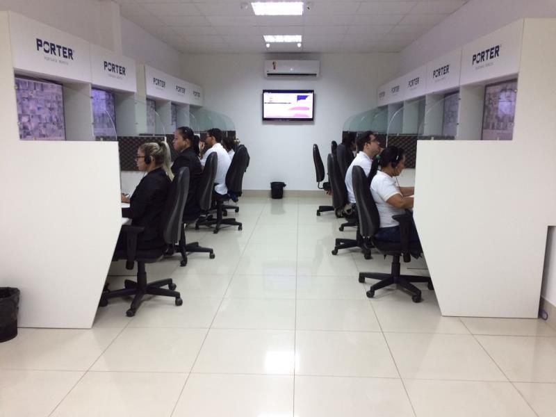 Foto - Uma de nossas centrais de monitoramento distribuídas pelo Brasil (parceiro: PORTER SEGURANÇA). Para mantermos a qualidade, cada central de atendimento tem um limite máximo de condomínios para atender.