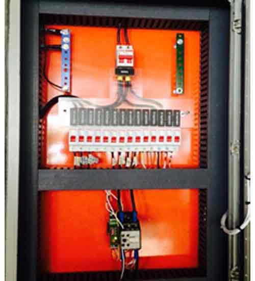 """Foto - Foto/ilustração de """"quadro de proteção de elevadores"""" - Fabricados/montados e instalados pela Spring Energy:"""