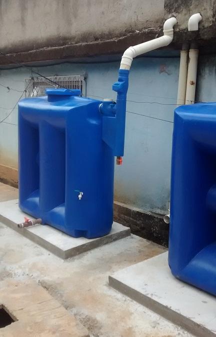 Foto - Kit Reúso de Água Tecnotri. Versão 1000 litros, instalada em Escolas.