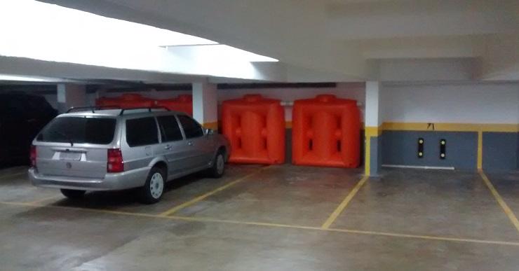 Foto - Kit Reúso de Água Tecnotri. Versão 1000 litros, instalada no subsolo, estacionamento.