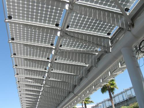 Foto - parqueamento fotovoltaico.