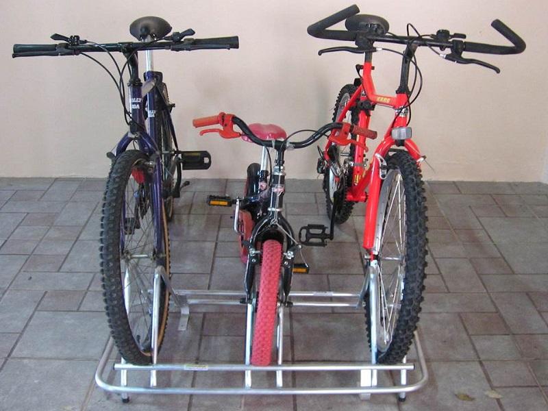 Foto - Bicicletário de 3 Posições em Alumínio