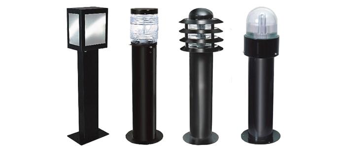 Foto - Balizador pré-montado é ideal para iluminar áreas externas.O balizador é a solução para iluminar trajetos externos em jardins, condomínios ou estradas. Desenvolvido em alumínio, conta com um difusor em vidro óptico que comporta lâmpadas LED de 15W, 20W ou 25W. Cor: Preto, Branco e Verde.Dimensão: 300mm/500mm e 700mm.