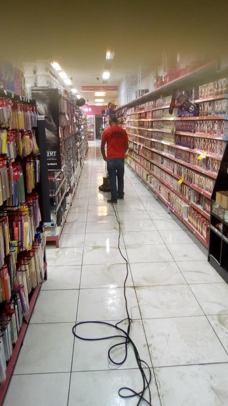 Foto - Limpeza de piso
